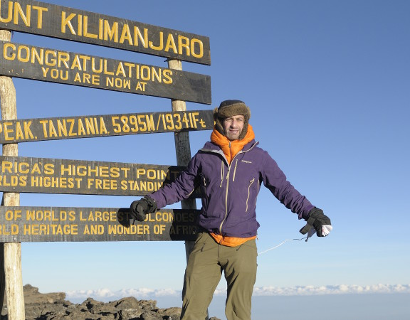 Beklimming Kilimanjaro top marketing fondsenwerving